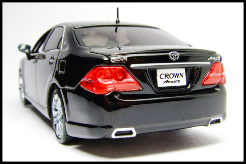 KYOSHO_J-Collection_TOYOTA_CROWN_ATHLETE_2008_15
