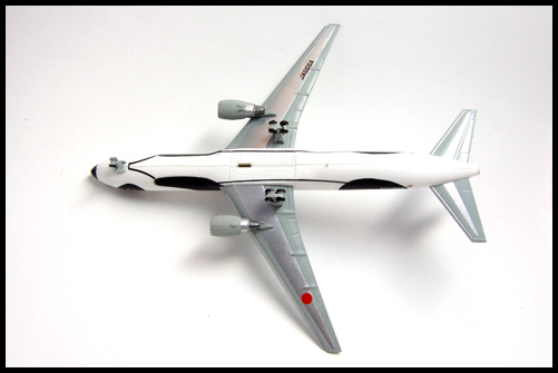 F-Toys_ANA_WING_COLLECTION4_767-300_Panda_14
