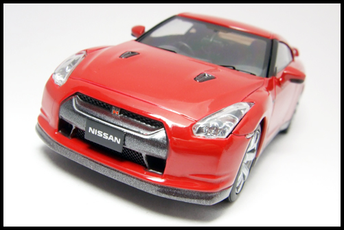 KYOSHO_NISSAN_GT-R_R35_RED10