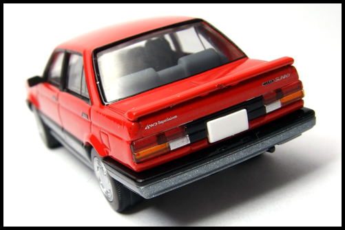 NISSAN_SUNNY_TOMICA_LIMITED_VINTAGE_NEO11