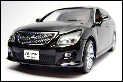 KYOSHO_J-Collection_TOYOTA_CROWN_ATHLETE_2008_4
