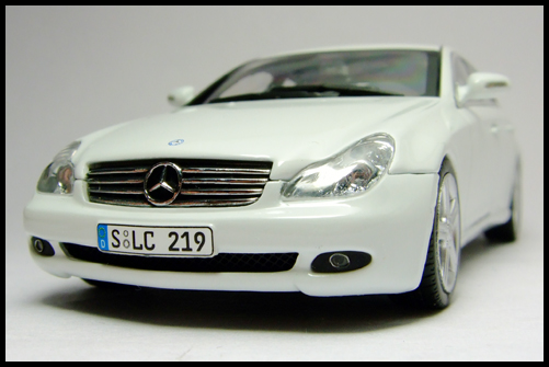 MINICHAMPS_Mercedes_Benz_CLS_Klass_Limited_Edition_2008_4