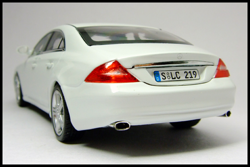 MINICHAMPS_Mercedes_Benz_CLS_Klass_Limited_Edition_2008_15