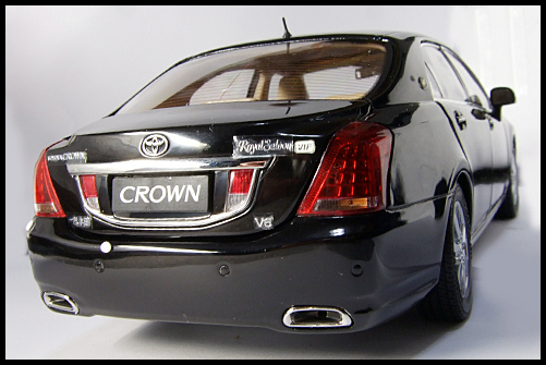 PAUDI_TOYOTA_CROWN_MAJESTA_BLACK_8