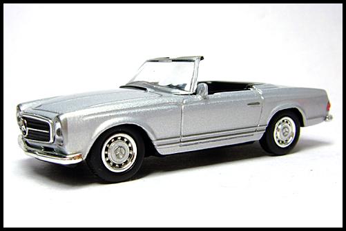 KYOSHO_Mercedes-Bentz_Typ_280_SL_Silver_1