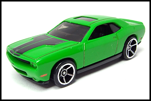 HotWheels_2008_First_Edition_Dodge_Challenger_SRT8_16