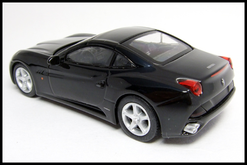 KYOSHO_FERRARI_7_NEO_California_Black_10