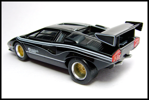 KYOSHO_Lamborghini_3_Countach_LP500R_GOLD2_12