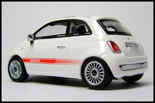 MINICHAMPS_64_Fiat_500_16