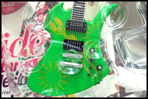 hide_Guitar_Collection_8