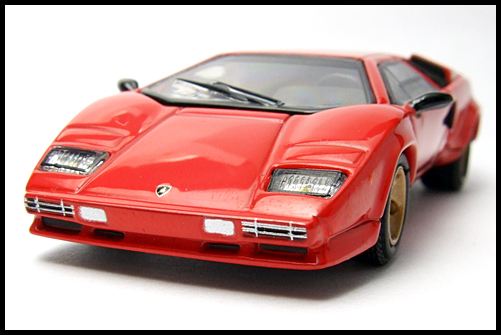 POST_HOBBY_KYOSHO_Lamborghini_Countach_LP400S_RED_3