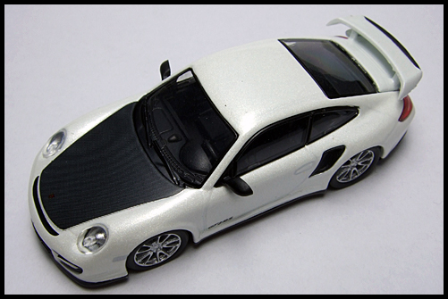 KYOSHO_PORSCHE_911_GT2_RS_WHITE_PEARL_15