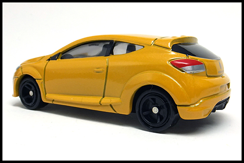 TOMICA_Renault_MEGANE_RS_12
