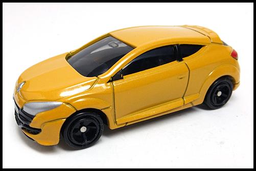 TOMICA_Renault_MEGANE_RS_17