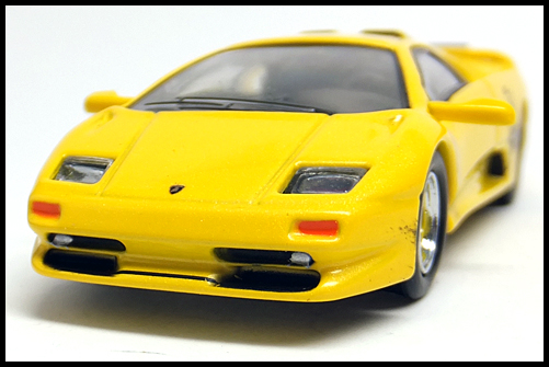 KYOSHO_Lamborghini4_Diablo_SV_Yellow_3