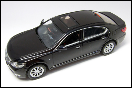 KYOSHO_J-Collection_Lexus_LS600hL8