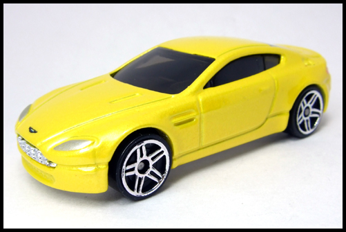 HotWheels_2005_FIRSTEDITIONS_ASTONMARTIN_VANTEGE16