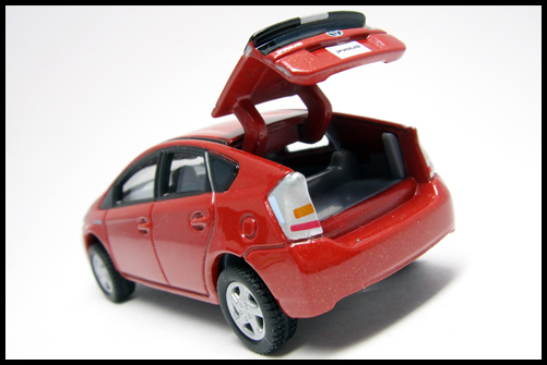 TOMICA_LIMITED_TOYOTA_PRIUS1