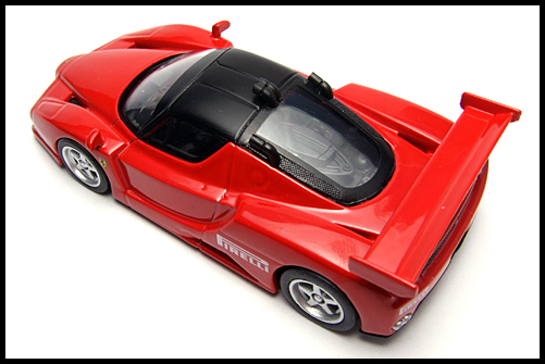 KYOSHO_FERRARI8_ENZO_GT_CONCEPT_RED_10