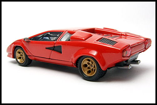 POST_HOBBY_KYOSHO_Lamborghini_Countach_LP400S_RED_14
