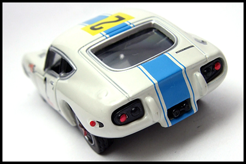 TOMICA_LIMITED_TOYOTA_2000GT_2MODELS_FIRST_16
