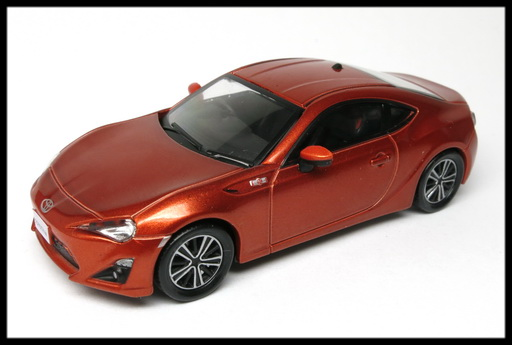 interallied_TOYOTA_86_GT_ORANGE_5
