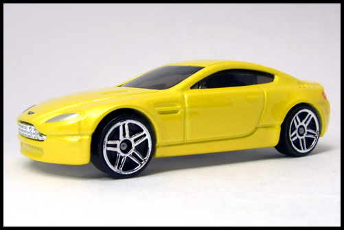 HotWheels_2005_FIRSTEDITIONS_ASTONMARTIN_VANTEGE3