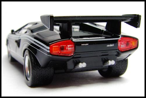 KYOSHO_Lamborghini_3_Countach_LP500R_GOLD2_11