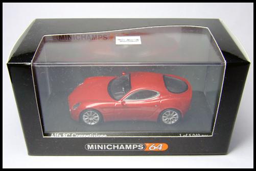 MINICHAMPS_64_Alfa_Romeo_8C_Competizione__11