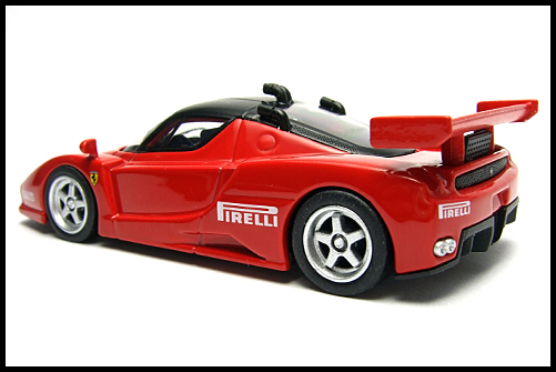 KYOSHO_FERRARI8_ENZO_GT_CONCEPT_RED_11
