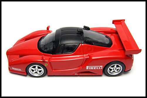 KYOSHO_FERRARI8_ENZO_GT_CONCEPT_RED_14