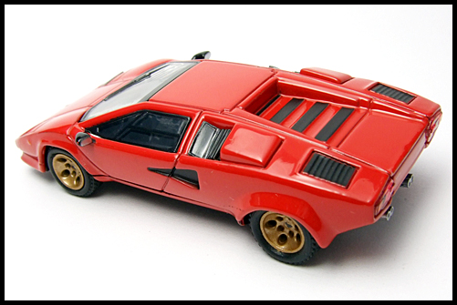 POST_HOBBY_KYOSHO_Lamborghini_Countach_LP400S_RED_11