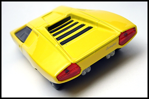 BOSS_Lamborghini_Minicar_Selection_Countach_LP500_14