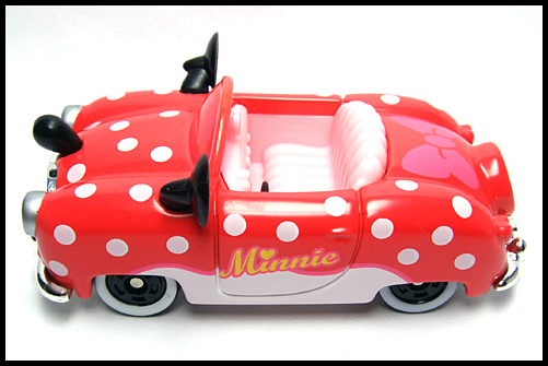 TOMICA_Disney_Minnies_Convertible_2011_15