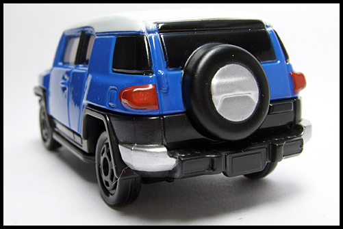 TOMICA_85_TOYOTA_FJ_CRUISER_FIRST_12