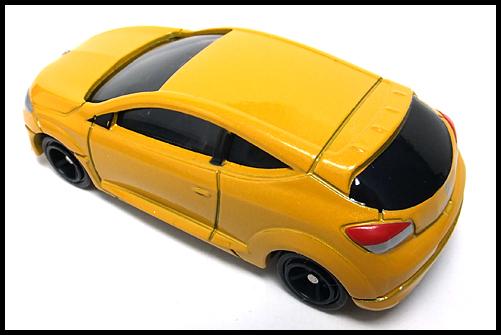 TOMICA_Renault_MEGANE_RS_10
