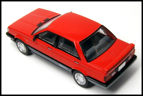NISSAN_SUNNY_TOMICA_LIMITED_VINTAGE_NEO3