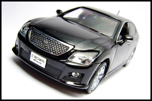 KYOSHO_J-Collection_TOYOTA_CROWN_ATHLETE_2008_3