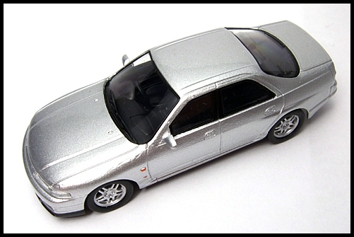 KYOSHO_NISSAN_SKYLINE_GT-R_AUTECH_VERSION_40th_ANNIVERSARY_16