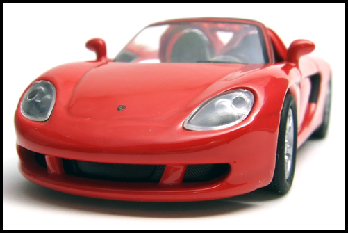 KYOSHO_PORSCHE_CARRERA_GT_RED_15