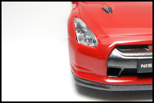 KYOSHO_NISSAN_GT-R_R35_RED3