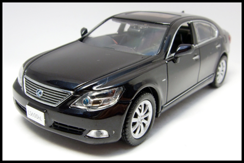 KYOSHO_J-Collection_Lexus_LS600hL10