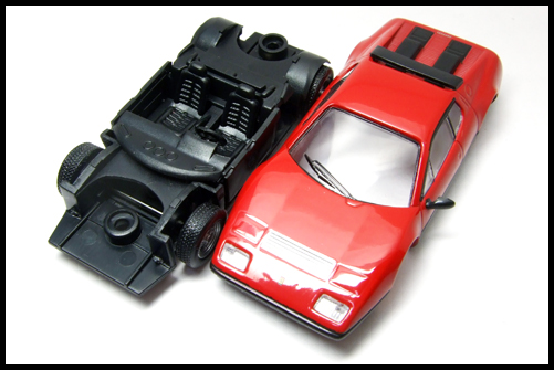 KYOSHO_FERRARI7_512BB_RED5