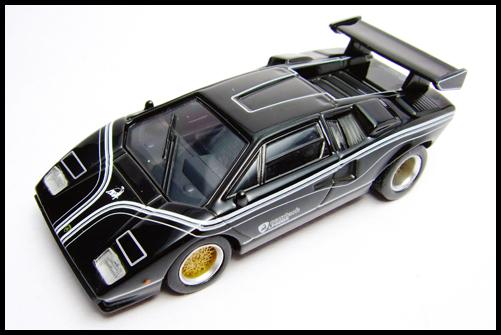 KYOSHO_Lamborghini_3_Countach_LP500R_GOLD2_14