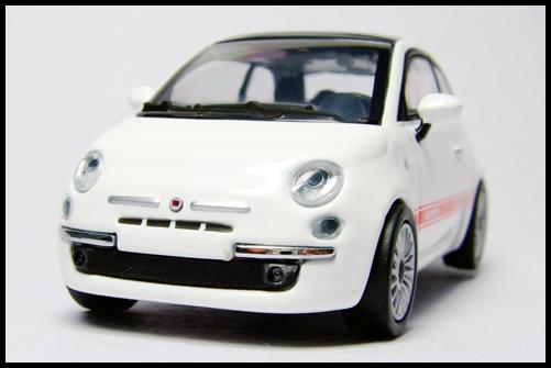 MINICHAMPS_64_Fiat_500_2