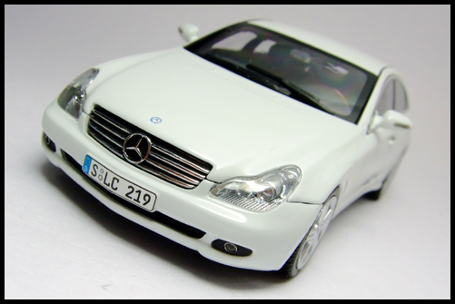 MINICHAMPS_Mercedes_Benz_CLS_Klass_Limited_Edition_2008_5