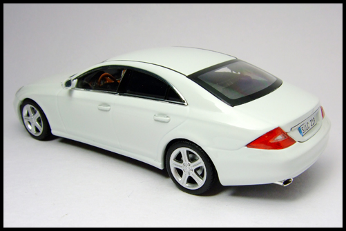 MINICHAMPS_Mercedes_Benz_CLS_Klass_Limited_Edition_2008_13