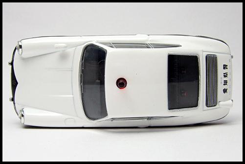 TOMICA_LIMITED_VINTAGE_Porsche_912_9