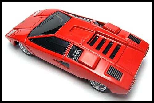 BOSS_Lamborghini_SuperCar_Collection_Countach_LP400_1