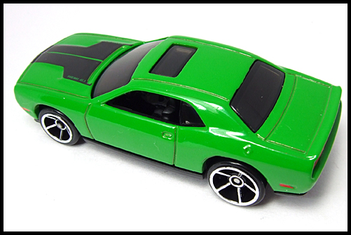 HotWheels_2008_First_Edition_Dodge_Challenger_SRT8_10